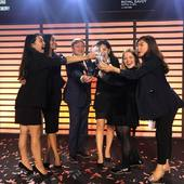 It's with a tremendous emotion that ALCO & EAU DE TEMPS is proud to announce that its team is the winner of the prestigious EHL's Excellence Award honoring the best results for their SBP & Bachelor in International Hospitality Management. Congratulations to Nikita, Yoon Hee, Hea Won, Jake, Ruoyun & Charlotte!